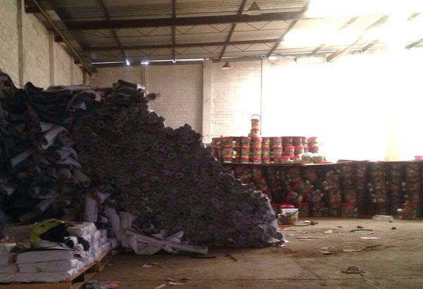 #Oaxaca Encuentran más toneladas de despensas del PRI ahora en viguera, es bodega del hermano de @JavierVillacana https://t.co/cVHLvr5aLz