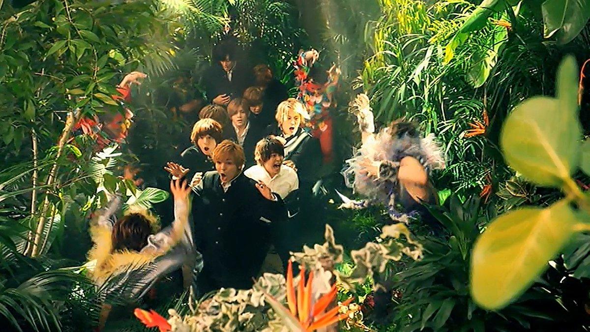 「ジャングルに入っていくのに薮くん先頭っていうのがいいよね」「薮様御一行じゃん」「それだ」 https://t.co/z0lcSxIKYq