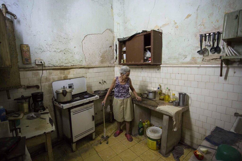 Salute News: la povertà altera il DNA, studio associa depressione alla miseria