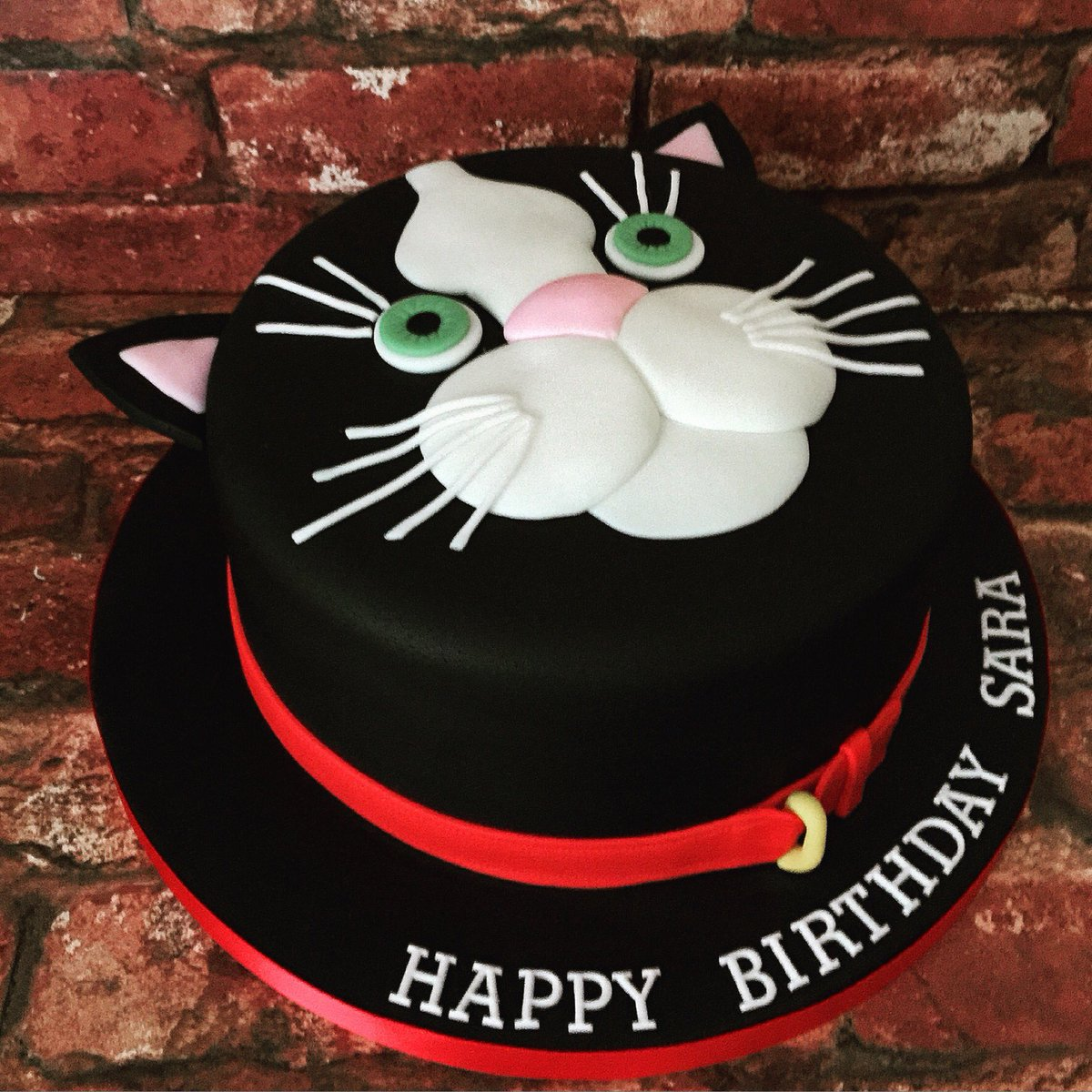 Marias Cake Boutique Auf Twitter Pussy Cat Themed Birthday Mariascakboutique Ithoughtisawapuddytat Chocolate Sponge Birthdaycake