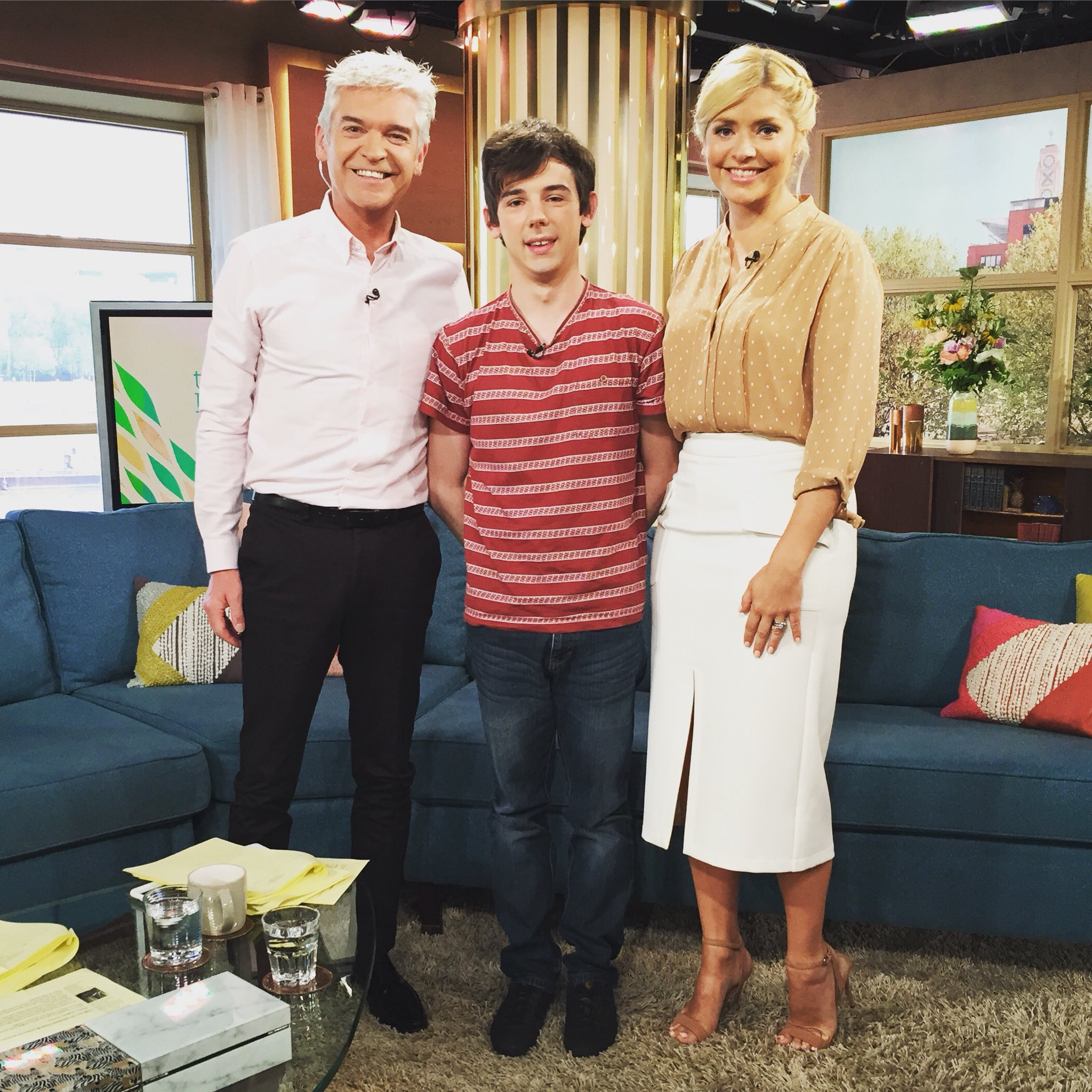 RT @itvthismorning: Lovely to meet Robert today 👏👏👏 #ActsOfKindness https://t.co/cy4FpuYZLp