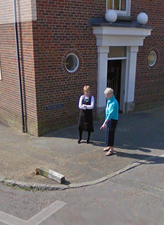 Was strolling through Poundbury on Google Streetview, came across this scene. https://t.co/cqGz3l2QEr