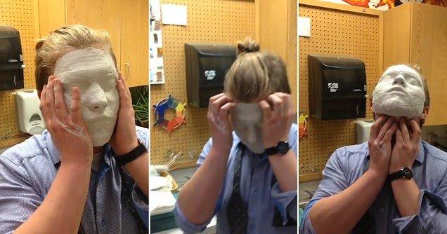 YouTube: studente scuola d'arte incastrato nella maschera di gesso