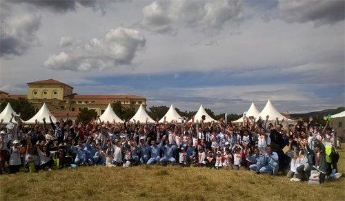 SLE #Salondeprovence #CEPAC à l'opération  @Revesdegosse #Tour2016 avec les Partenaires & #Team @PAFofficiel https://t.co/9WiiNupvYq