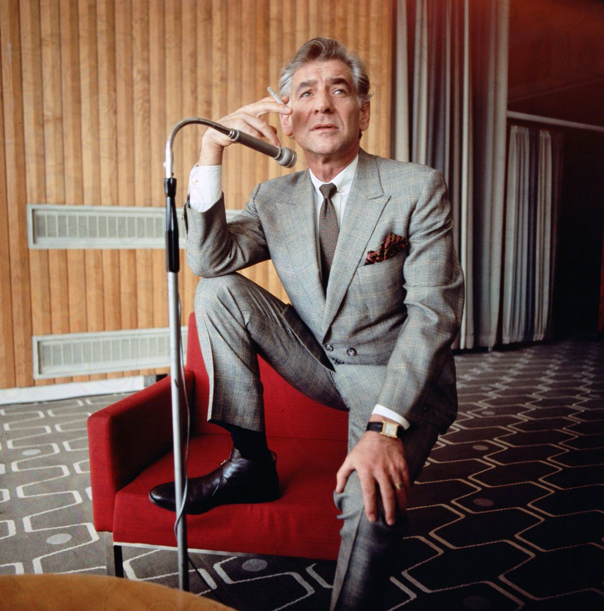"""""""To achieve great things, two things are needed: A plan, and not quite enough time."""" -Leonard Bernstein #QOTD https://t.co/WAXHbbyZk7"""