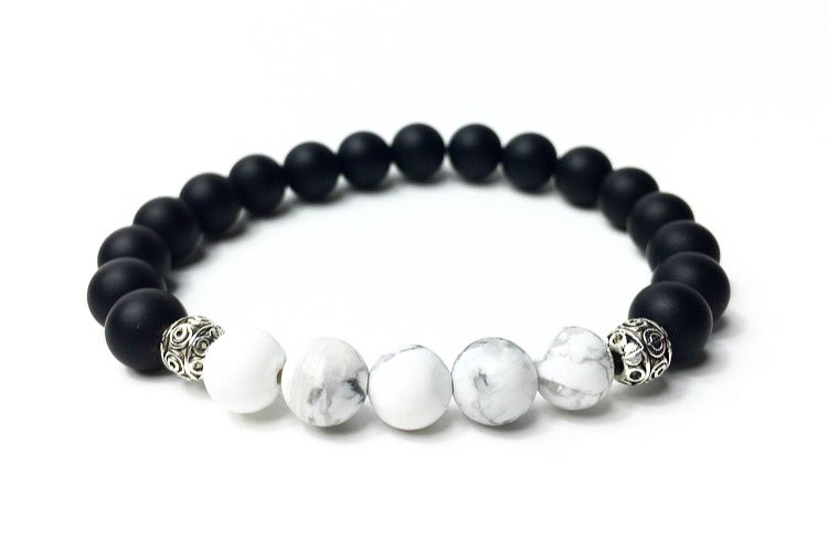 'Youthful Vibes' bracelet! ⚪️⚫️🌞✨✌️ https://t.co/ZWIt4Lgrki