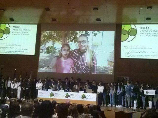#EduInclusiva16 #PrimaveraEducativa Pigmaliones, parejas, compartir. Gran proyecto IES La Senia. Turno de l@s xic@s. https://t.co/12ll7hgr4m