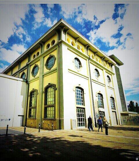 eco di #bergamo: ex centrale elettrica Via Daste e Spalenga diventa contenitore espositivo artistico @contlocus https://t.co/ZJyEknbA3y