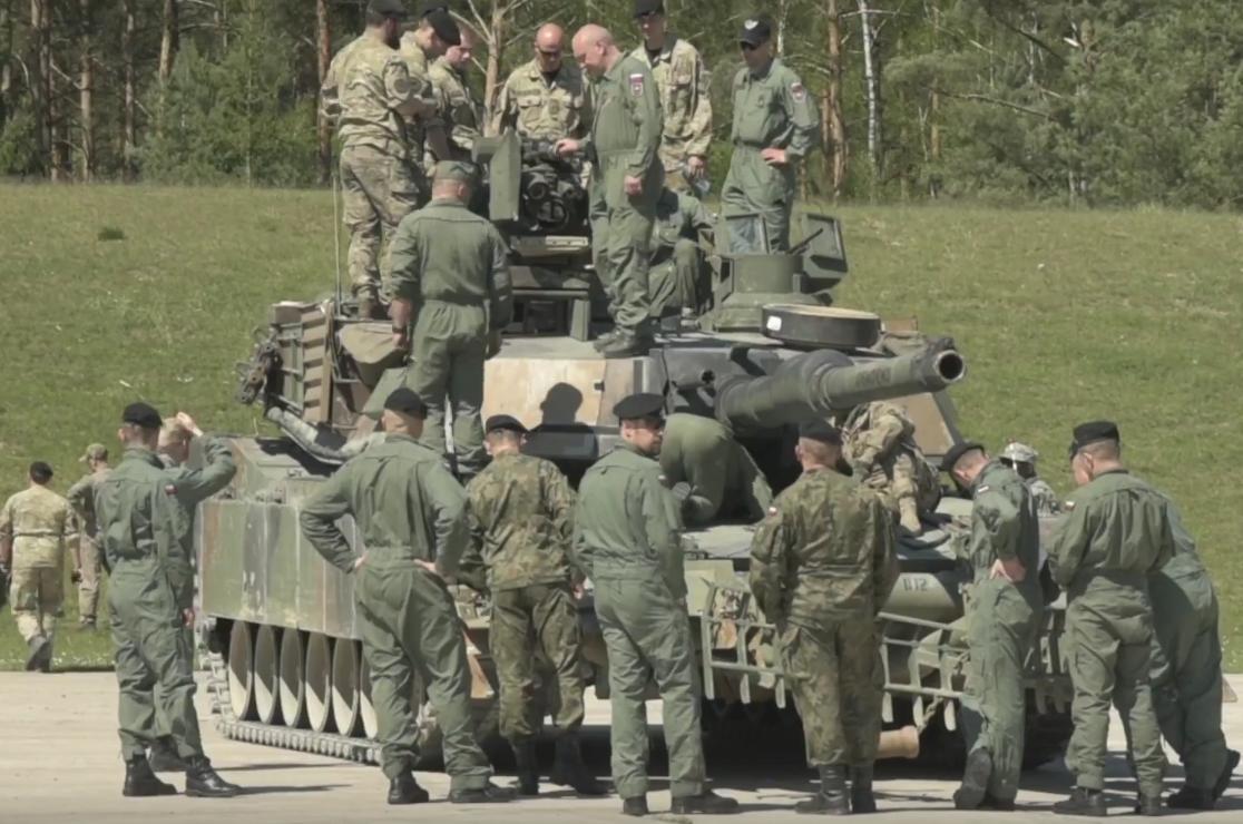 NATO: Discussion and News - Page 3 CiUP9KiU4AA-VrR