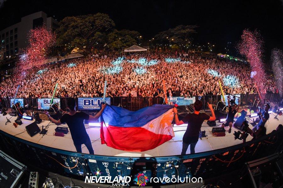 Happy weekend, Pilipinas!!!!!!!! #raveolution #NxR2016 #friday #TGIF https://t.co/LmW8afgByV