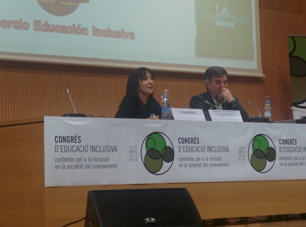 @pilarpes presenta a Echeitia al #EduInclusiva16 https://t.co/Dyvii4kEav