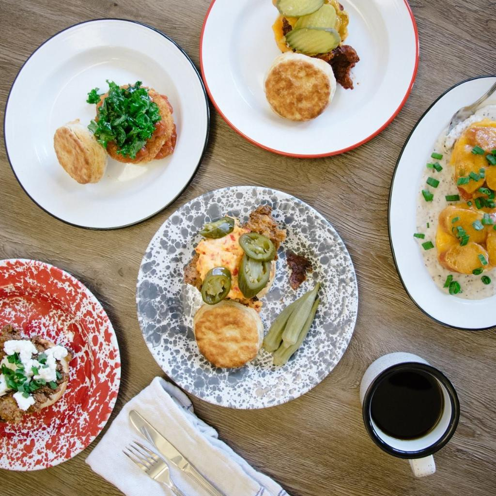popularity of casual upscale dining over Fine and casual dining restaurants are the ones which have elaborate menus  and take pains over garnishing and quality of service, usually.