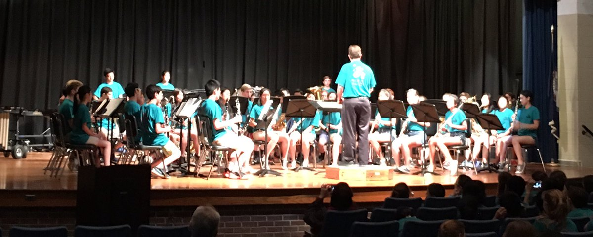 .@HHMSLeadership, #HerbertHooverMS advanced band at music in the park competition. Next up, #orchestra and #jazzband<br>http://pic.twitter.com/51twXb2e16