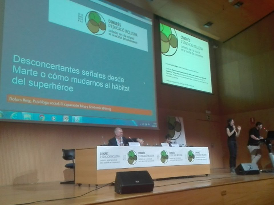 @mariex11 habla de cultura digital #EduInclusiva16 https://t.co/bI2BxsQRpl