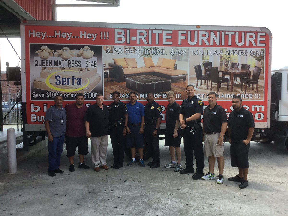 Houston Police On Twitter Bi Rite Furniture Is Loaded And We Are