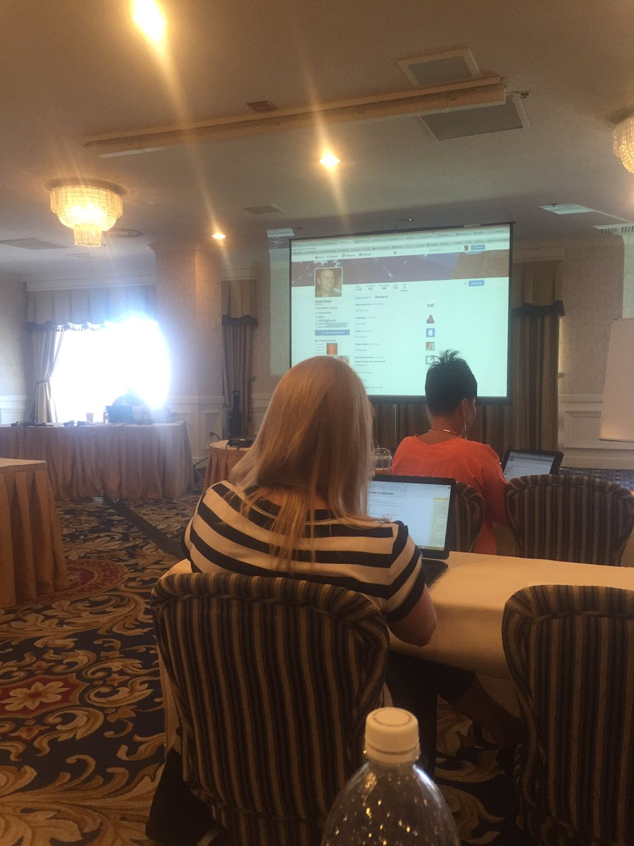 Learning all about Twitter at #recruitcon #vegas! https://t.co/gfFLDAbzNO