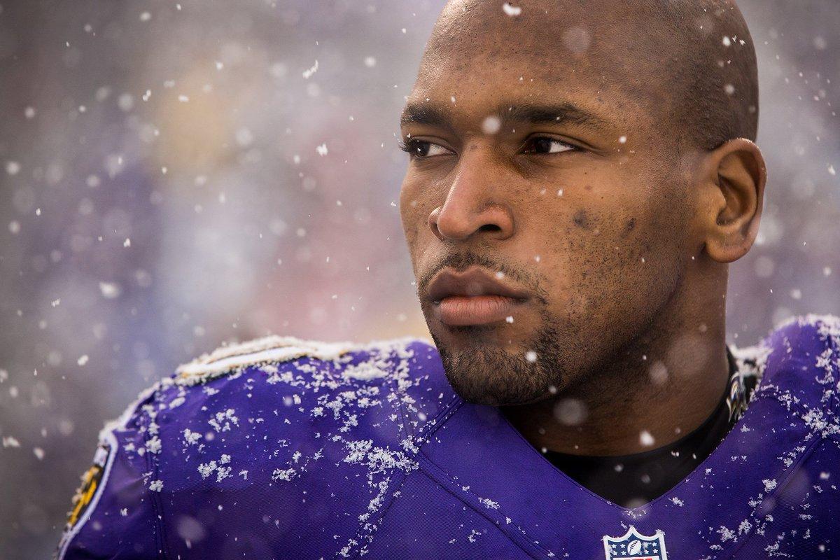 NFL player donates $80K to medical marijuana research