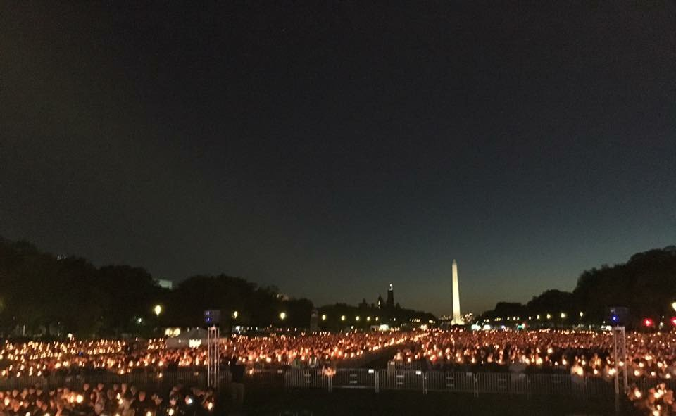 Candles lit across the Mall in honor of our nation's fallen heroes. #PoliceWeek https://t.co/SfOstrUpr6 https://t.co/bbX3MbwzjW