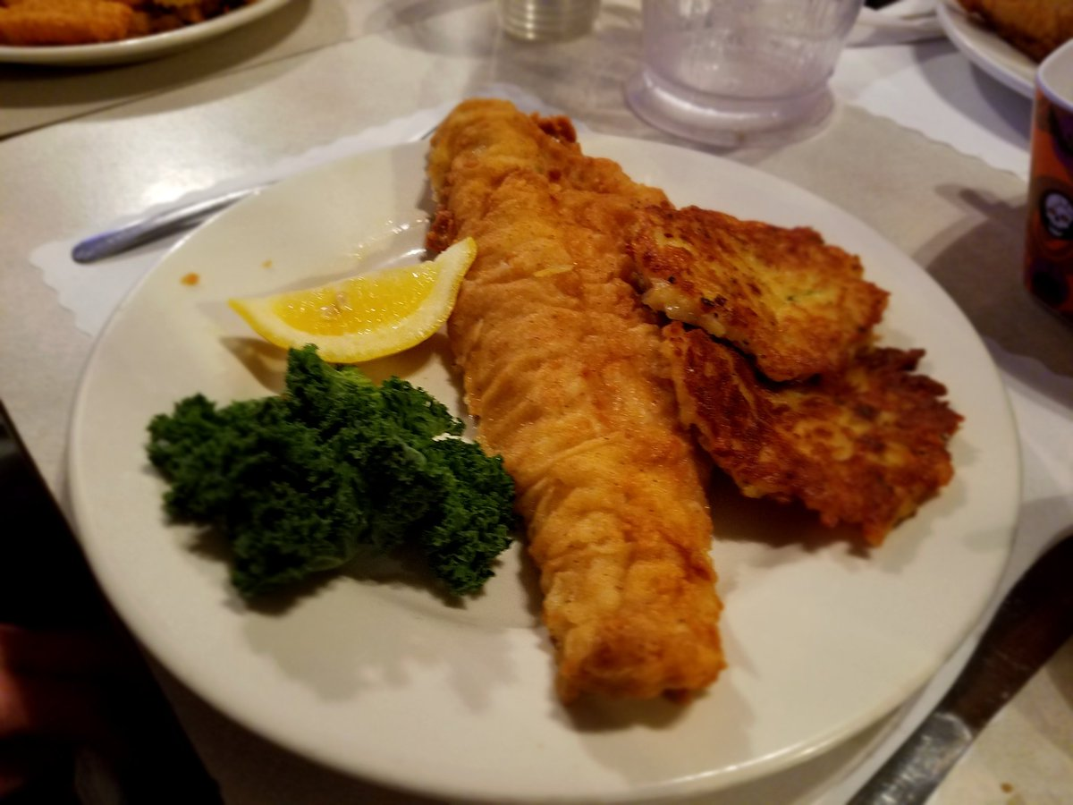 The contingent 39 s wisconsin supper club steakhouse fish for Best fish fry in wisconsin