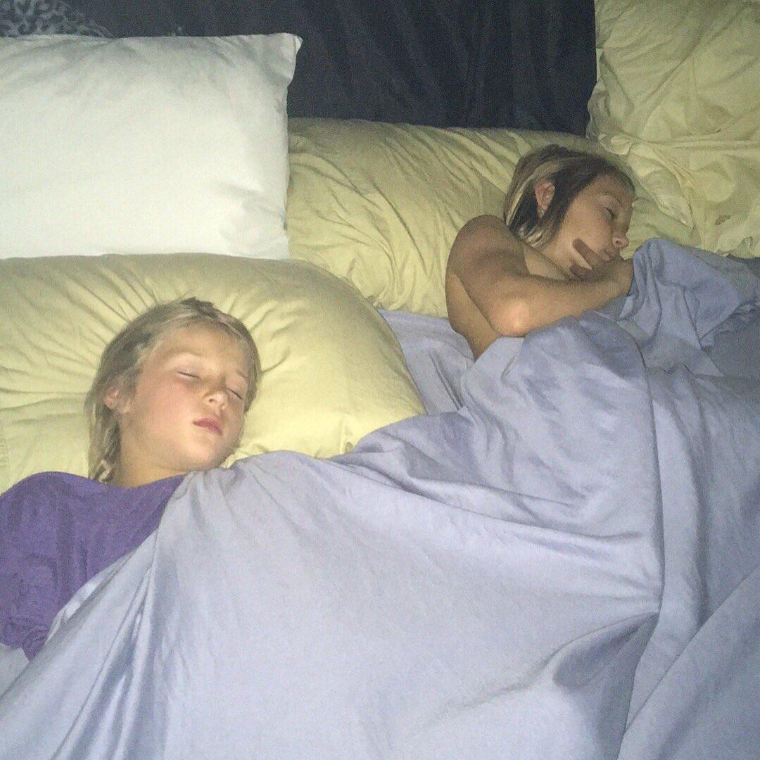 Sleepingirls