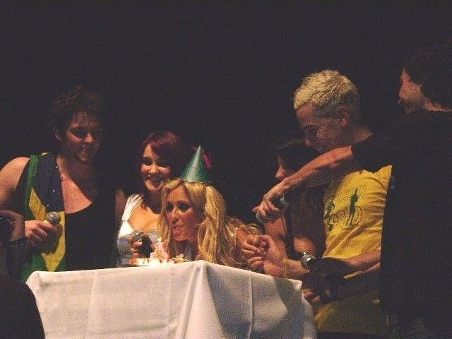 RBD festejando el cumple de HAPPY BIRTHDAY ANAHI