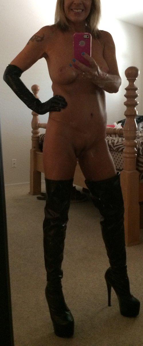 Nude Selfie 5550