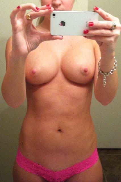 Nude Selfie 5580
