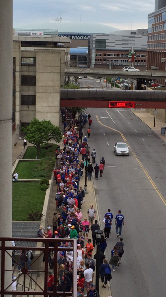 I'd say the line for the @MStrooo6 #Bisons bobblehead is a healthy one. Gates open in two minutes. https://t.co/WiP4pa3DKO