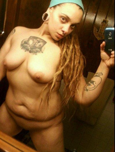 Nude Selfie 5605