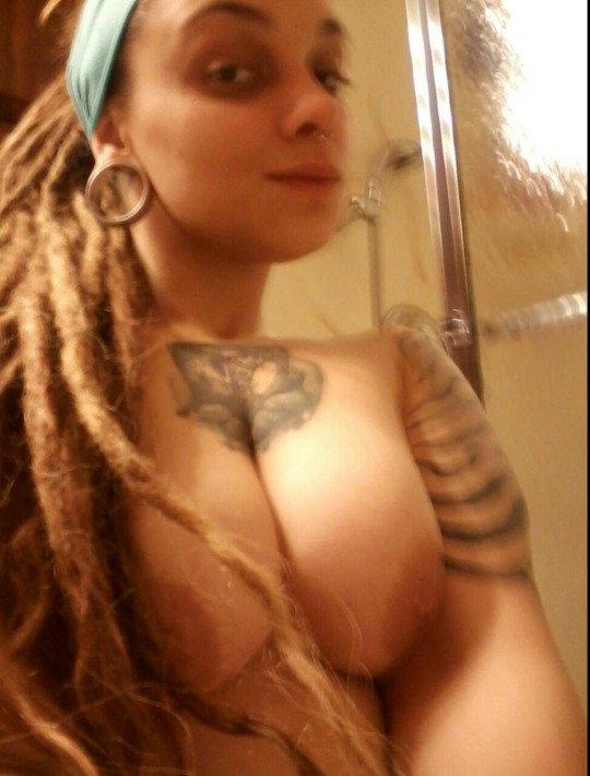 Nude Selfie 5607