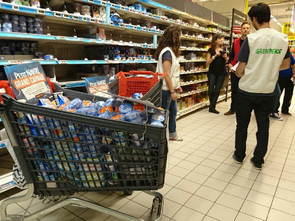 Notre message est passé auprès des supermarchés ! .@petitnavire =grand carnage. Jusqu'ou ira-thon ? #arrethon