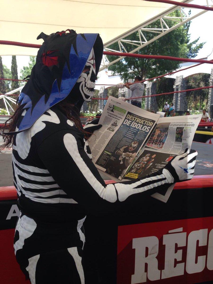 ¡Todos a comprar la edición impresa de @record_mexico!  Hoy es día de #SinLímiteDeTuétano