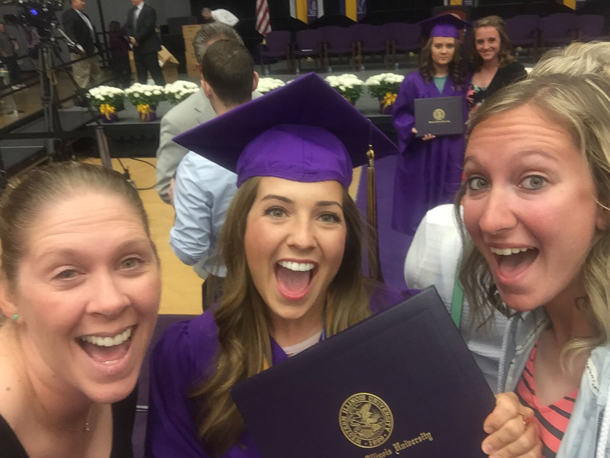 She did it!! Congrats @missskariss we are so proud of you! #AlwaysALeatherneck #WIUGRAD16 https://t.co/RqNkqMbsJm