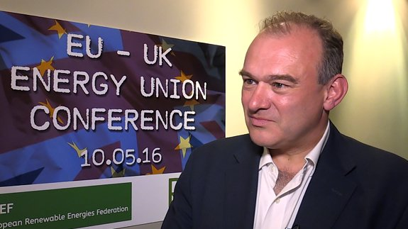 Sir Ed Davey: #Brexit threat hitting #energy investment. https://t.co/fXlwjoB7Y6 https://t.co/TVSSqRw8Om