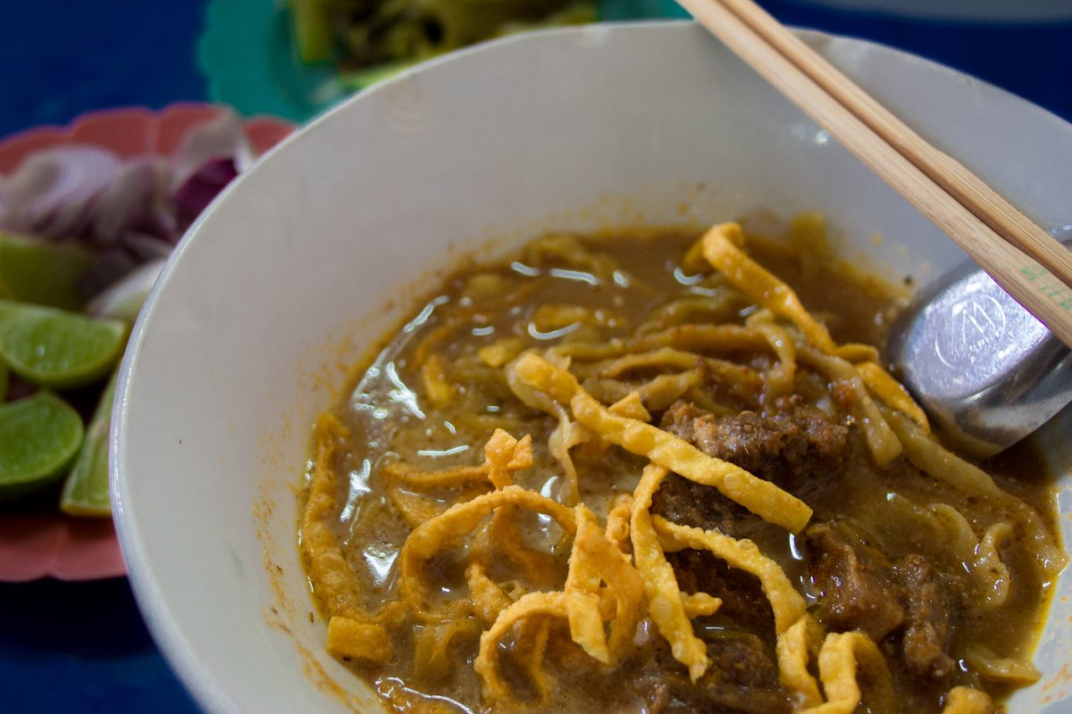 How about a bowl of khao soi when #travelling in Northern #Thailand? YUM! #Travel #ThailandFood #ThailandTravel https://t.co/NEkaPNtRg9