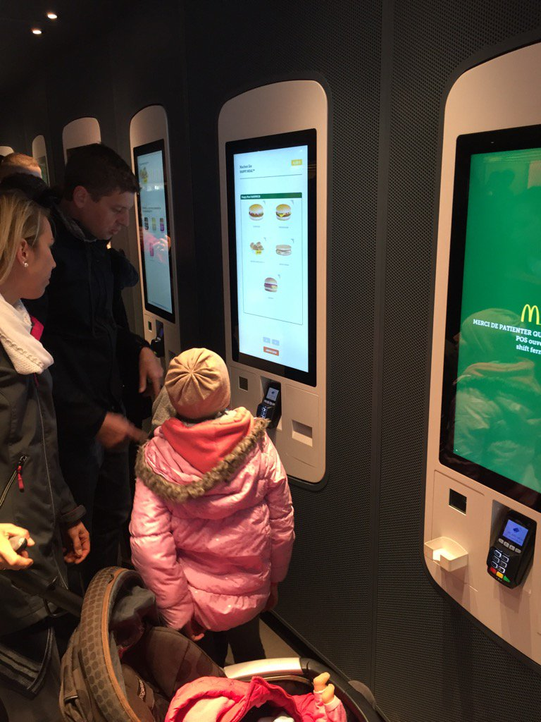 Automation at McDonald's here in Paris. https://t.co/34qDRmfEHm
