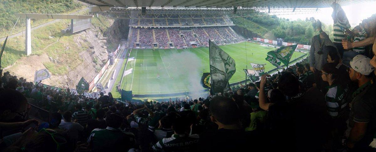 """Foi um prazer ter estado hoje em Braga na """"Curva Sul"""" do @Sporting_CP https://t.co/cUtkJlG5wt"""