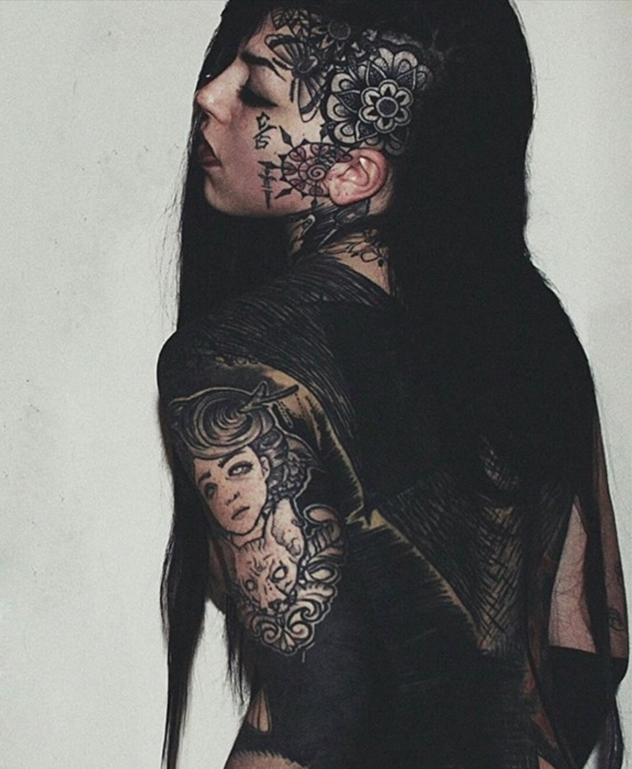 "Tattoo Woman Photo: On Twitter: "" Isabella Chiara Filouino"
