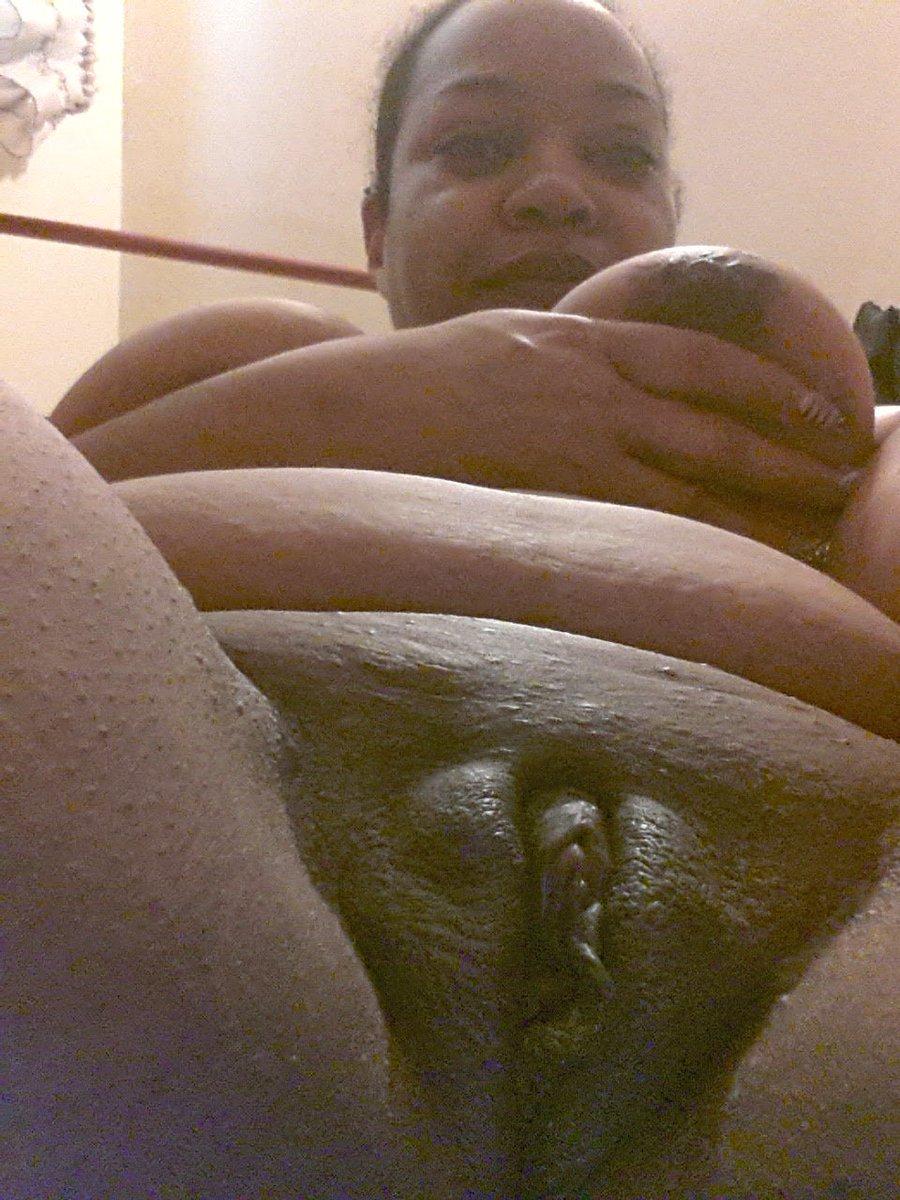 Nude Selfie 5386
