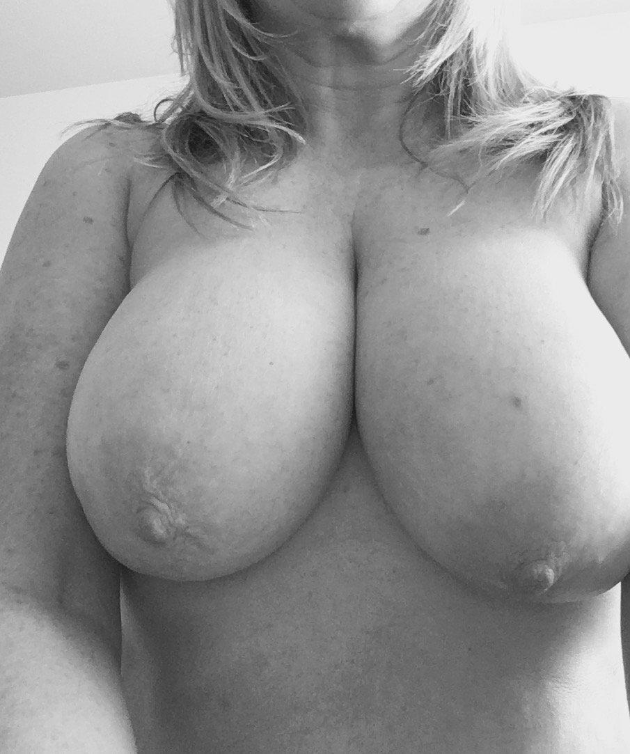 Nude Selfie 5427