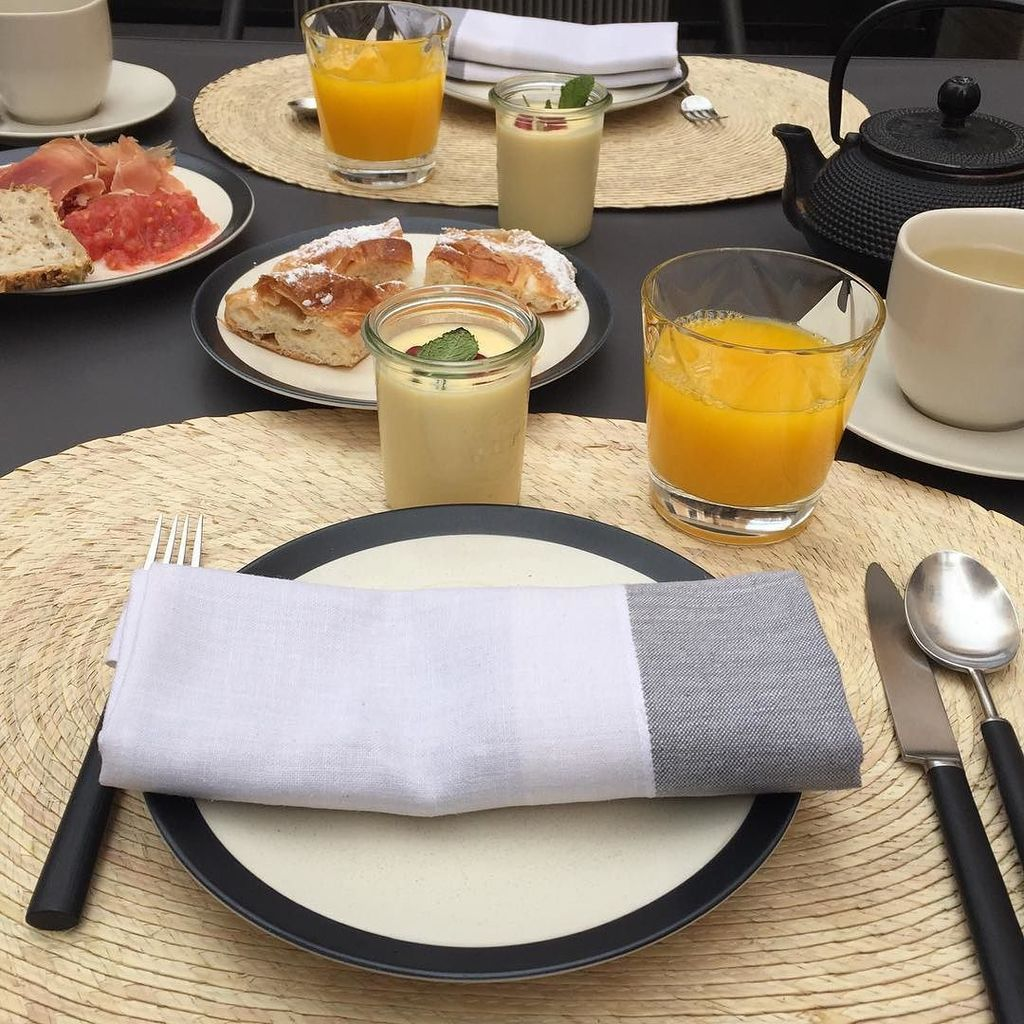 RT @UltraVaganza Late breakfast is served in the lovely patio @hotelsantfrancesc  #HotelSa #Mallorca