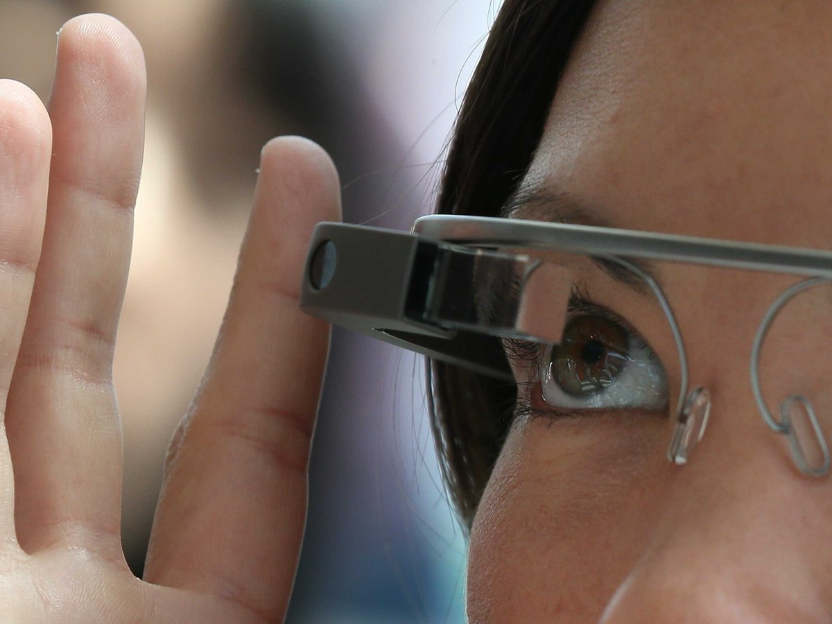 Google just revealed what its next version of Google Glass will look like, and it's aimed at business workers