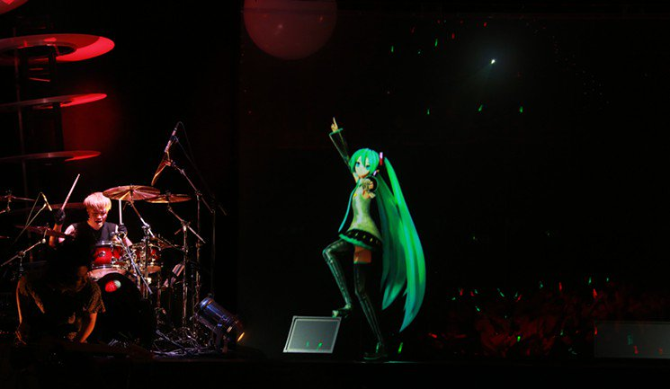 Japanese vocaloid Hatsune Miku's fan army took over @bombfactorydfw on Saturday https://t.co/15xSglvwty https://t.co/EHtrBtnOfe