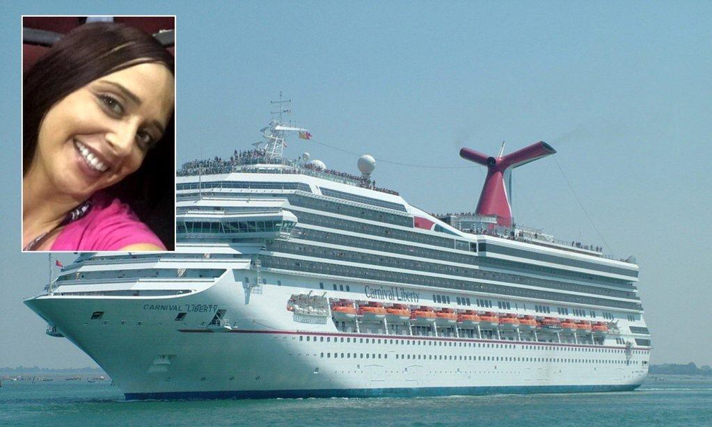 Donna cade in mare dalla nave da crociera Liberty in viaggio sul Golfo del Messico