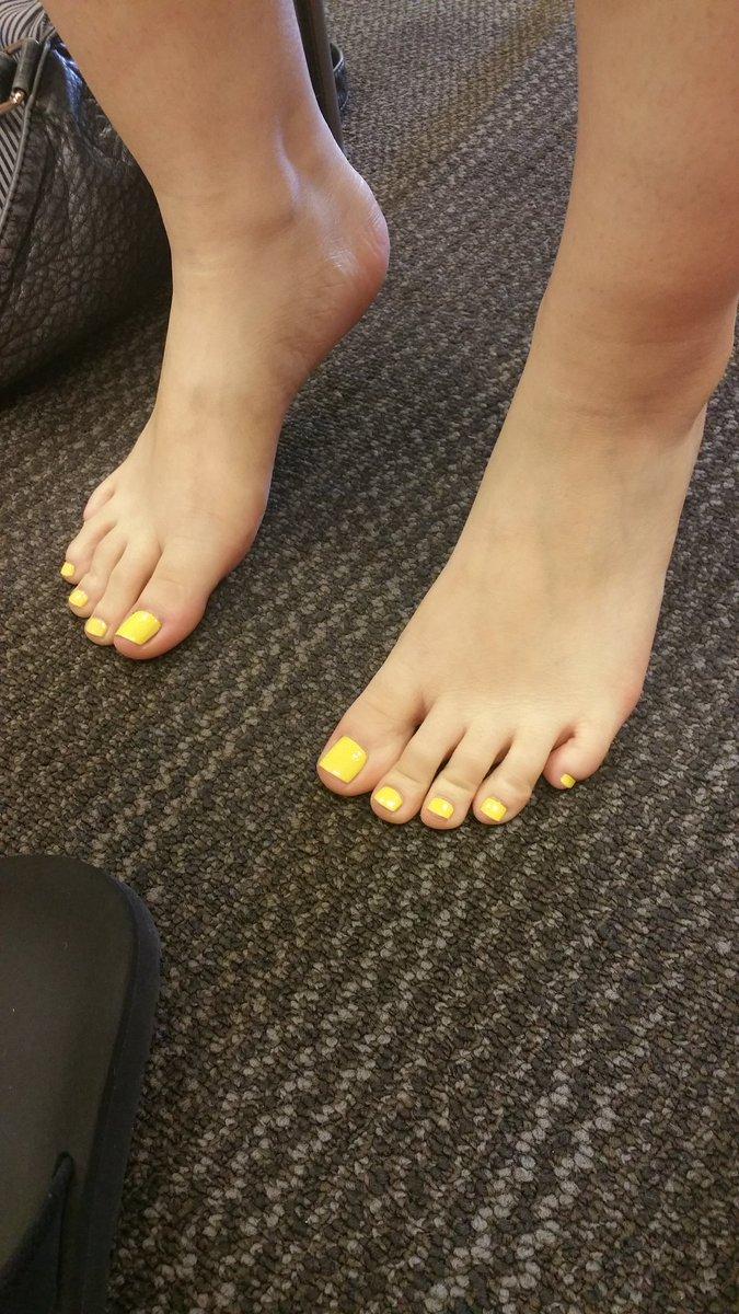 pretty toe pics