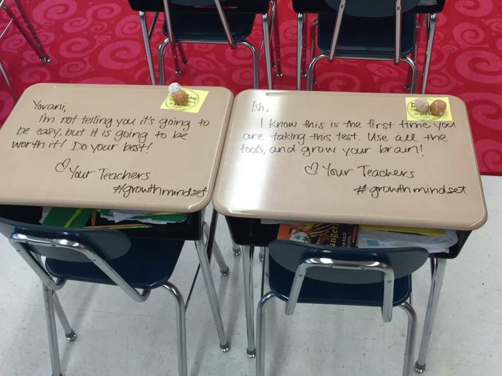 This is so sweet! Teacher turns desks into notes of encouragement before a test: https://t.co/PamDMLDFuU https://t.co/ihZXuuu8Tj
