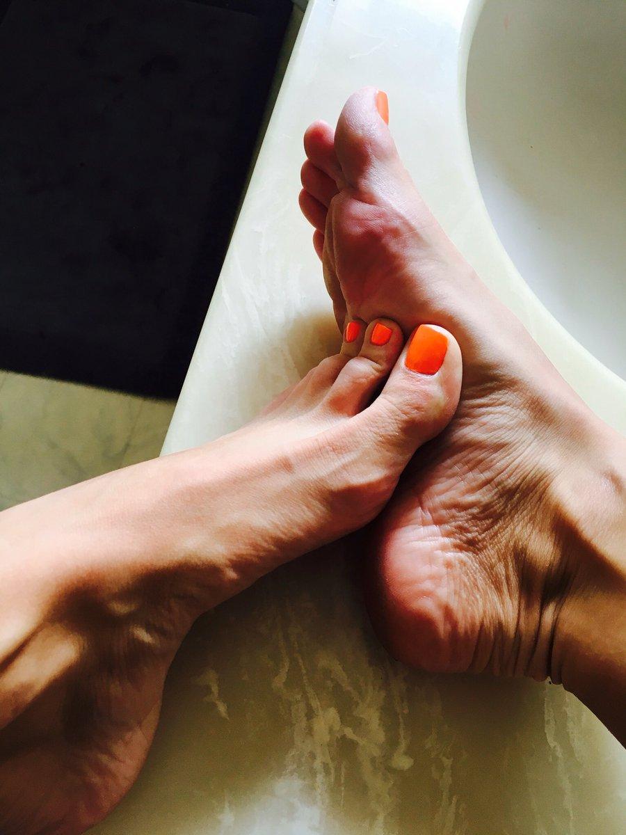 Saige feet silvia Silvia Saige
