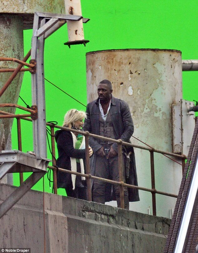 First Look at Idris Elba As The Gunslinger In The Dark Tower 2
