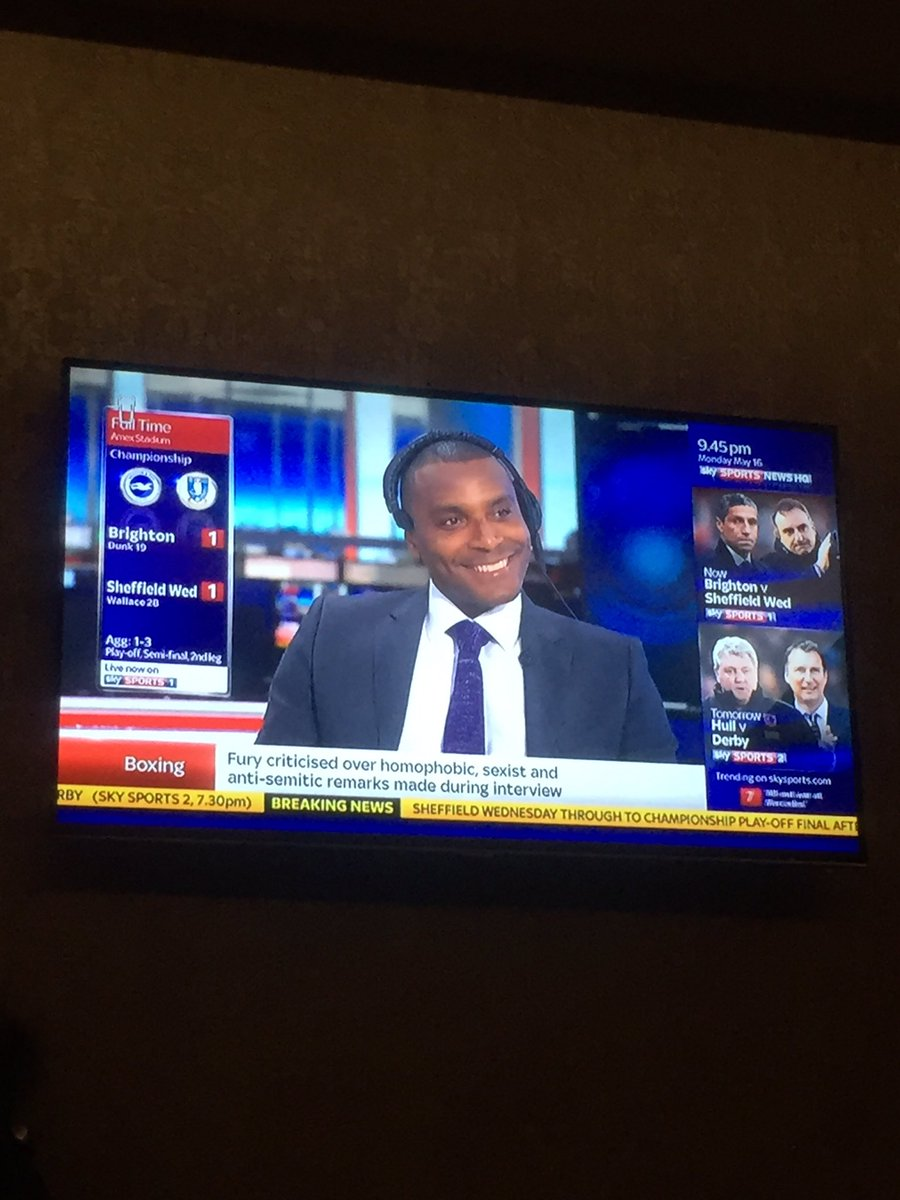 Turn on the tv in the hotel only to see this big head on my screen @morrisonclinton