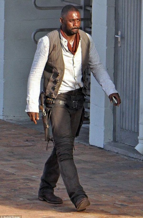 First Look at Idris Elba As The Gunslinger In The Dark Tower 1